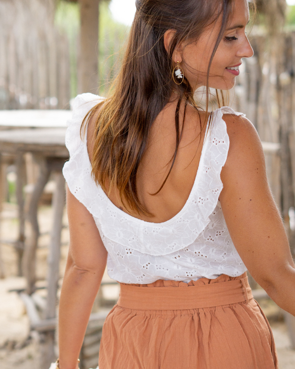 top blanc broderie