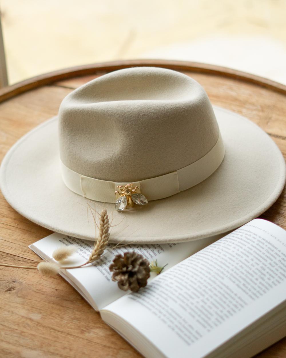 chapeau laine crème